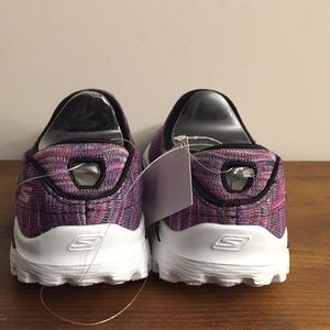 Skechers Shoes - Ladies Sketcher Go Walks Size 7.5